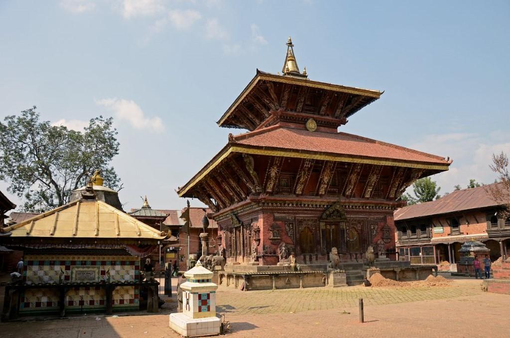 Downhill biking - Nepal - Atma Asia Travel